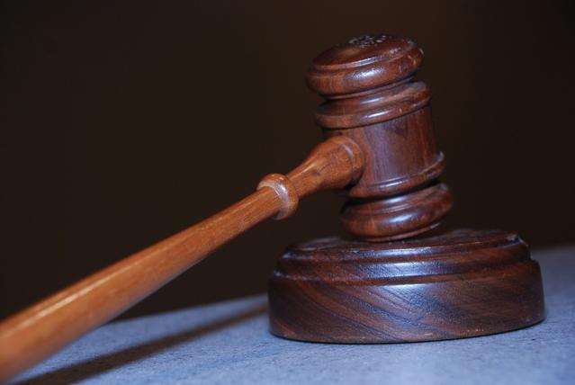 odvetnik na sodišču